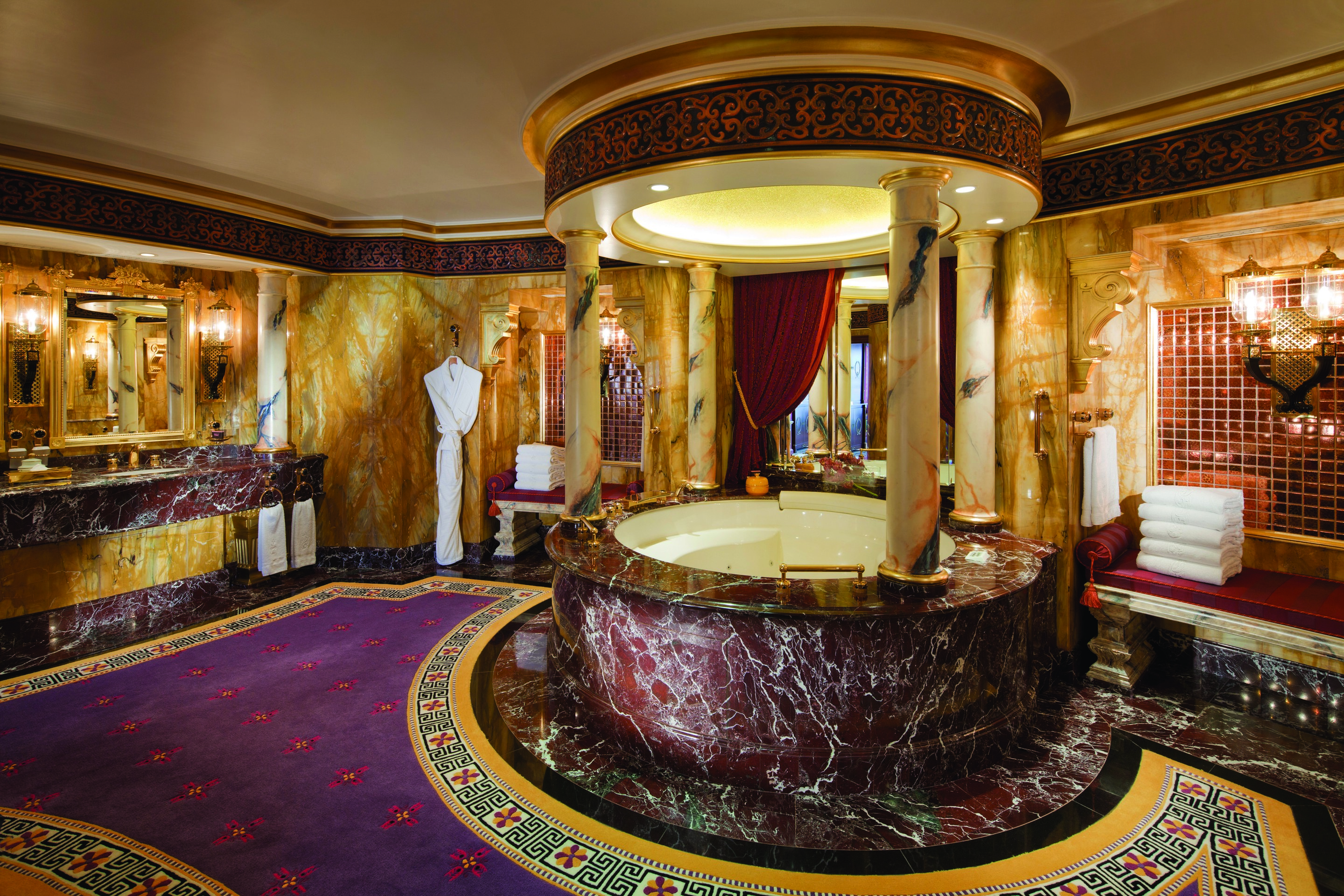 The Most Expensive And Luxurious Bathrooms Of All Time